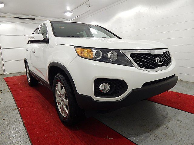 Pre-Owned 2013 Kia Sorento LX W/3RD ROW SEATING!!!