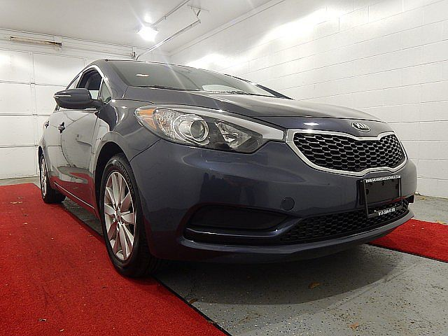 Pre-Owned 2016 Kia Forte LX W/POPULAR PACKAGE