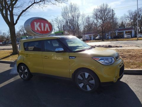 Pre-Owned 2015 Kia Soul ! W/SUN AND SOUND PACKAGE!!!
